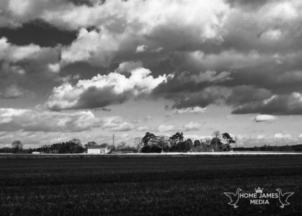 Dutch barn black and white near hibaldstow | Lincolnshire Landscape Photography by Robin Ling